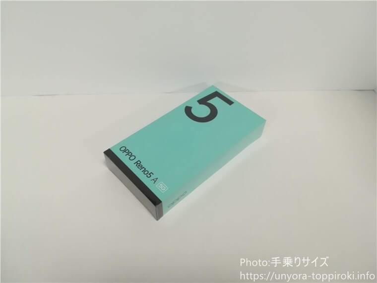 OPPO RENO5 Aの外箱(化粧箱)の写真